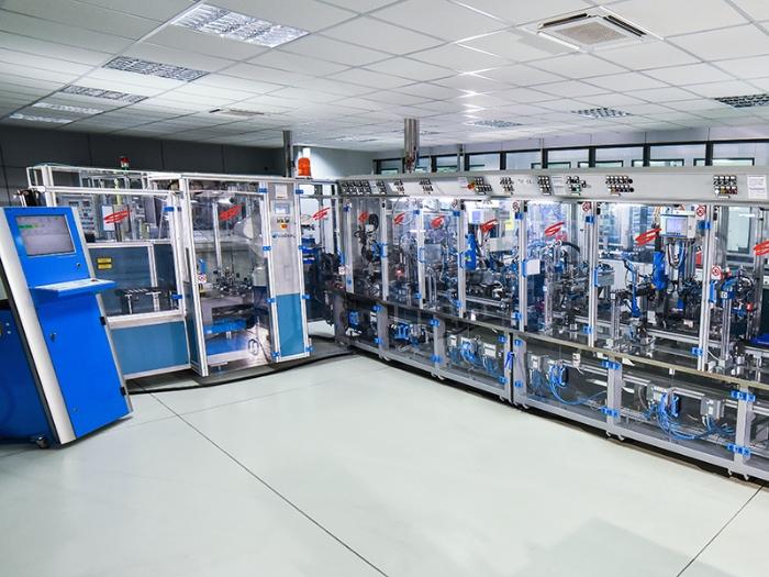 Impianto speciale per il montaggio di componenti